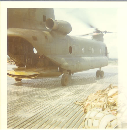 Lai_Khe_Nov_1969_-_Chinook_that_took_me_out_of_the_field_for_the_last_time._fs